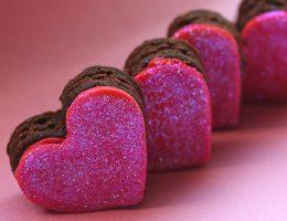 Миниатюра к статье Пирожные-сердечки «Признание в любви!»