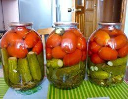 Миниатюра к статье Помидоры с огурцами на зиму (овощное ассорти)