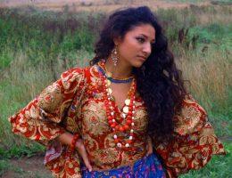 Миниатюра к статье Цыганские рецепты лосьонов для роста волос