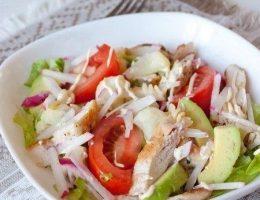 Миниатюра к статье Калифорнийский куриный салат