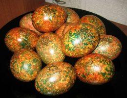 Миниатюра к статье Красим яйца оригинальным способом к Пасхе: крашенки «Мраморные»