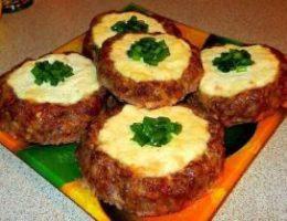 Миниатюра к статье Мясные «ватрушки» — быстрый ужин